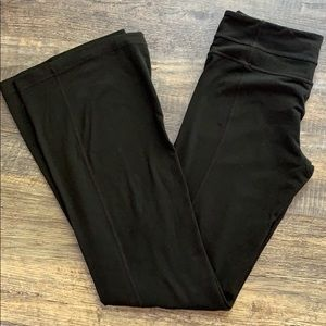 LuLulemon black stretch pants leggings full lgth 6